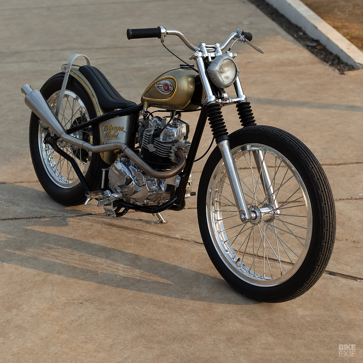 Kawasaki W175 chopper by Tole Motorworks