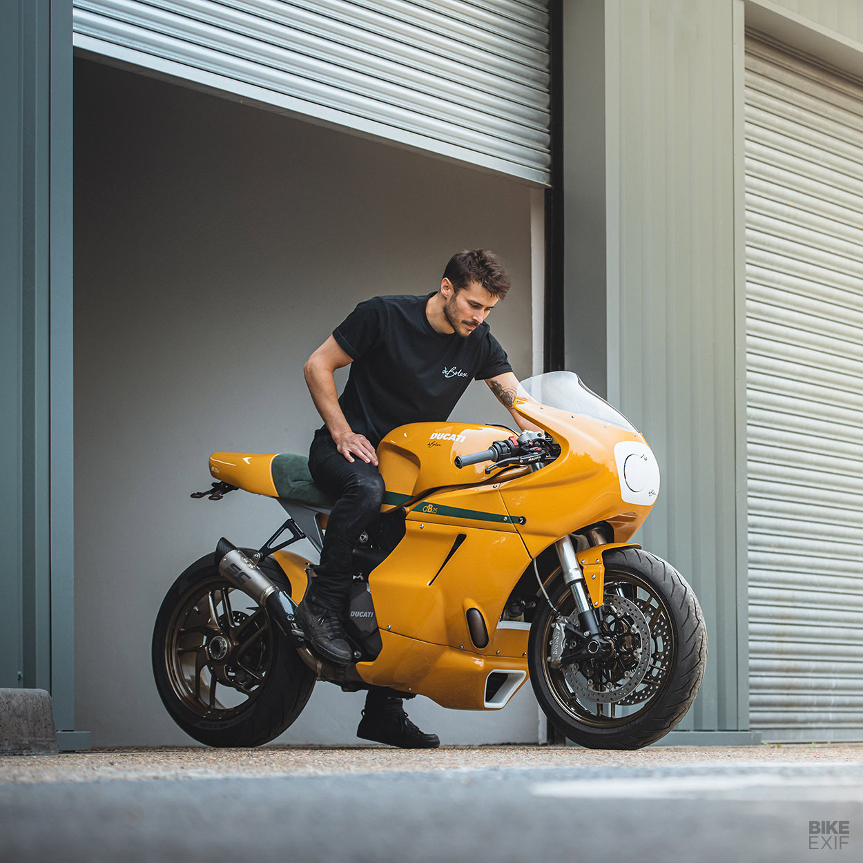 db25: A series of Ducati Monster 1200 customs from deBolex