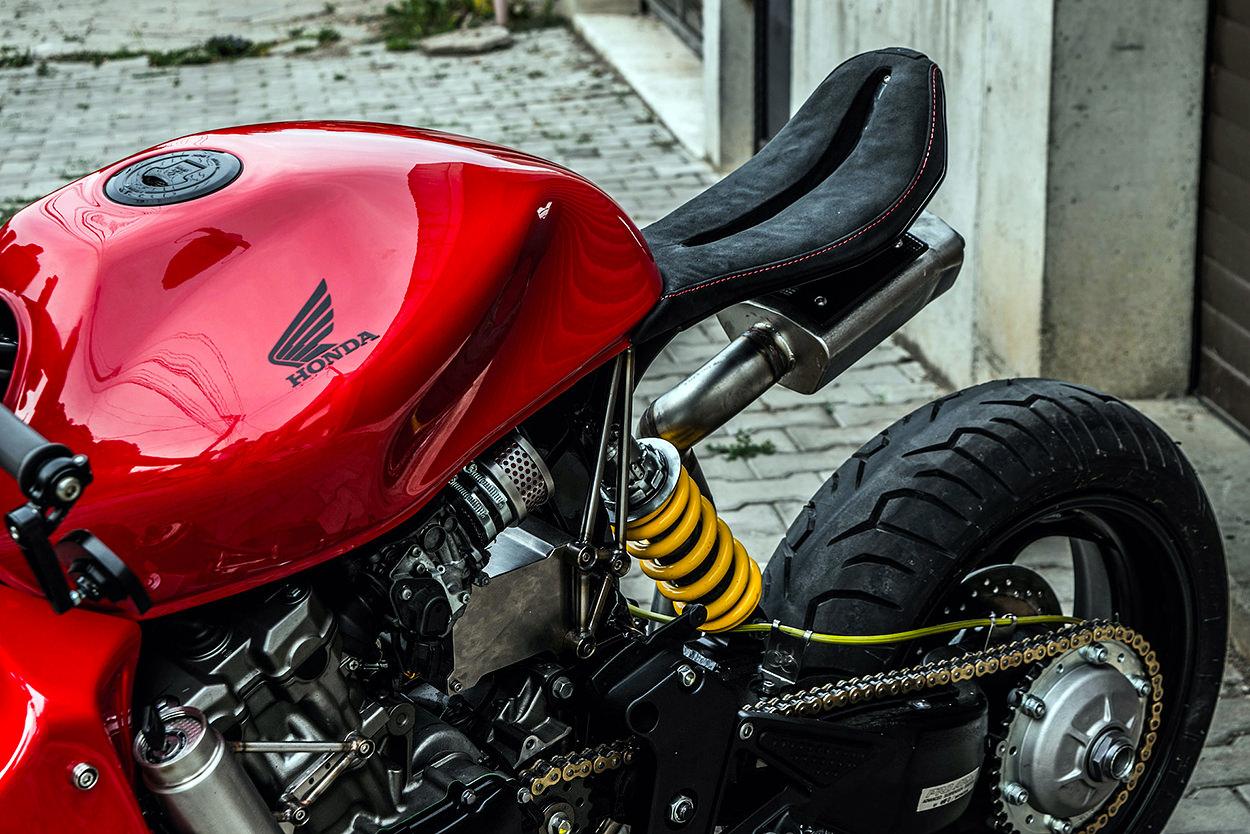 Honda 599 Hornet by Bull Moto Custom