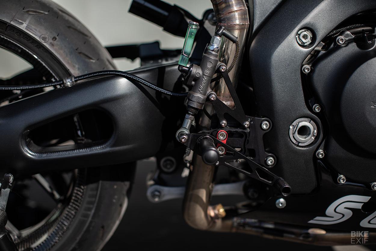 Custom Honda CBR1000RR by Atelier Sur Les Chapeaux De Roues