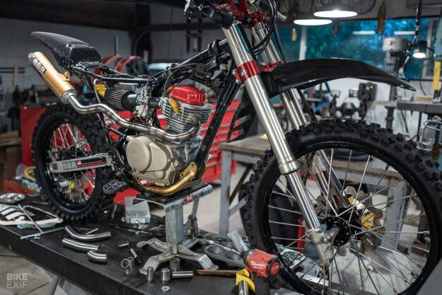 Custom Honda XR100 dirt bike by Gregor Halenda of Saku-Moto