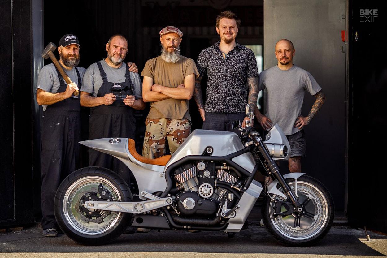 Supercharged Harley-Davidson V-Rod by Custom Culture
